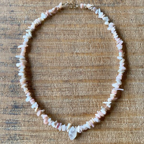 Bienfaits de l'opale rose et pierre de lune